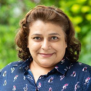 Ms Lavina Kay